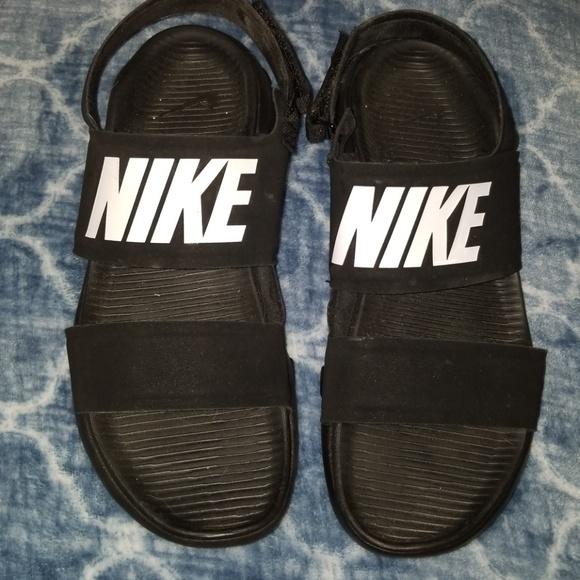 e3e53d5fe5017d Nike Womens  Velcro Strap  Black Sporty Sandal. M 5c33ed04951996c53b6ed99c